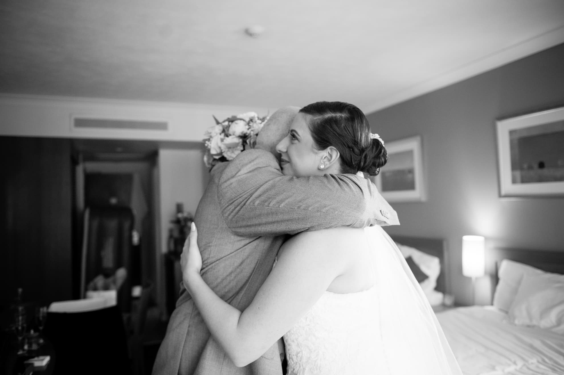 bride-to-be-hugs-her-dad-first-time-he-sees-her-in-wedding-dress