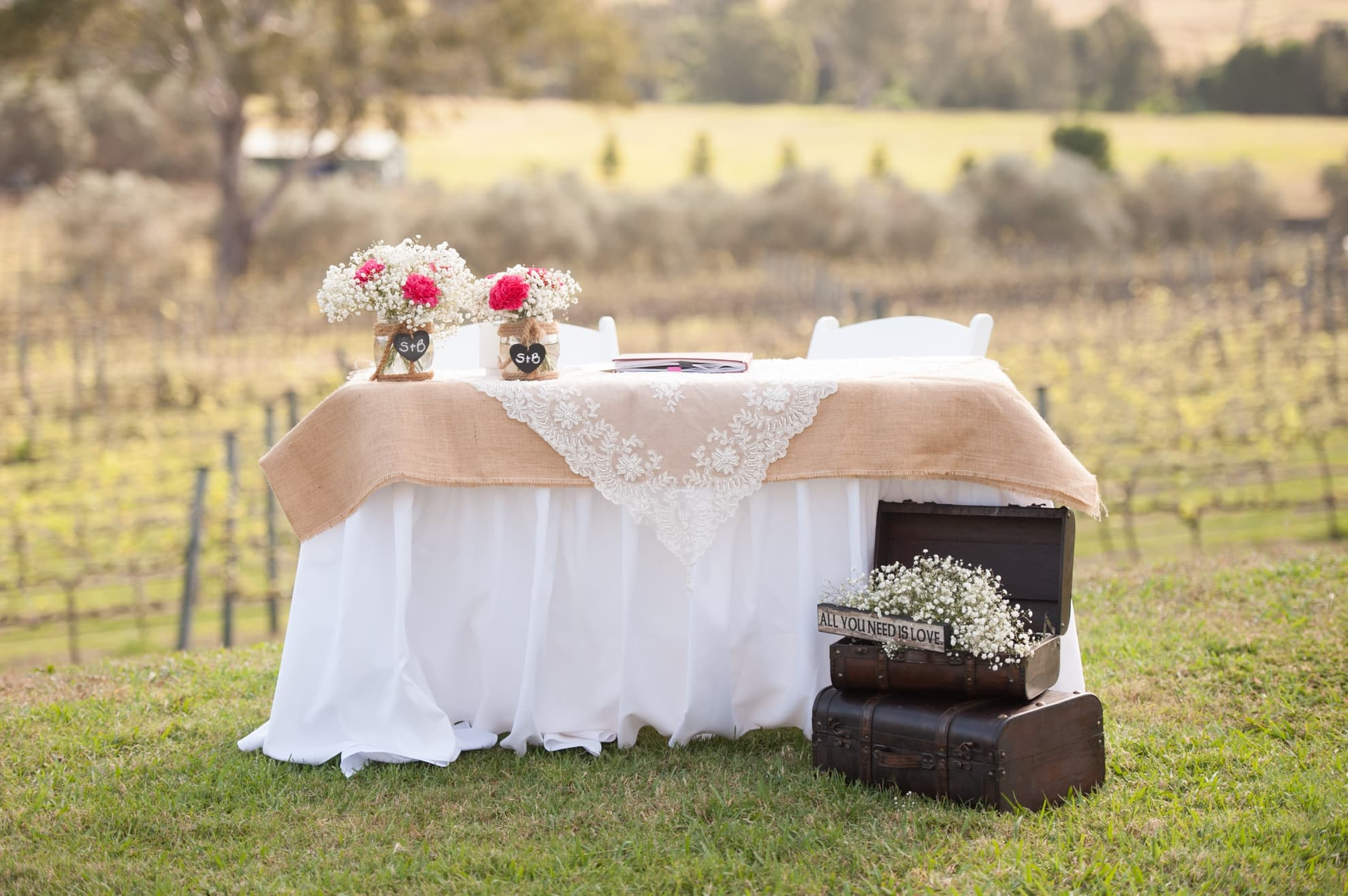 registry-signing-table-all-decorated-for-the-wedding